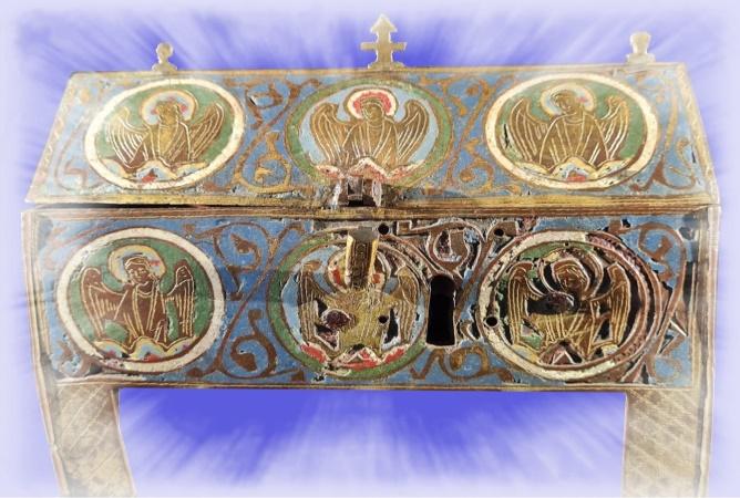 Église de Cros (63810):  Inauguration de l'exposition de la châsse médiévale